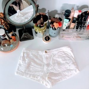 new// Abercrombie & Fitch   Ivory Lace Shorts